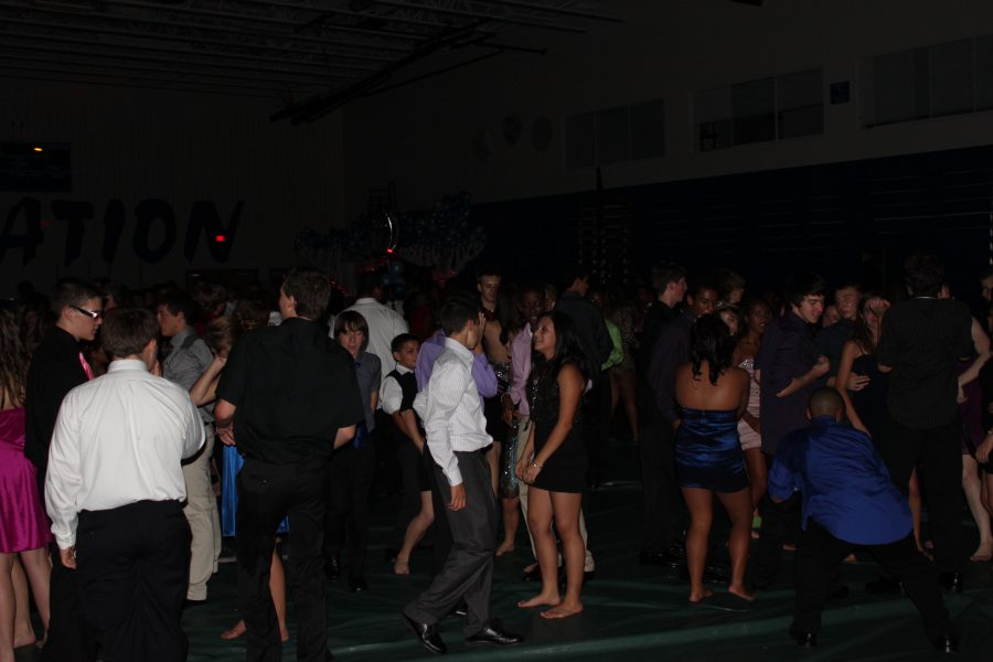 Tuscarora Homecoming Year One vs. Year: Two The Battle of the Dances
