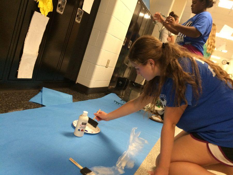 Tuscarora+Students+Decorate+Homecoming+Hallways
