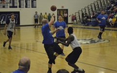 Seniors Succeed in March Madness Student vs. Faculty Game