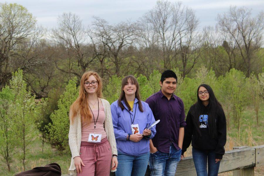 Students Measure Bradford Pear Invasion
